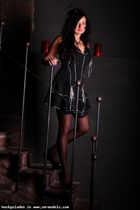 Sklavin_Lara_von_LA (Model ,Weiblich ,PLZ 49080) Sklavin Lara on Tour - Bild 16418 - SM-Models.COM