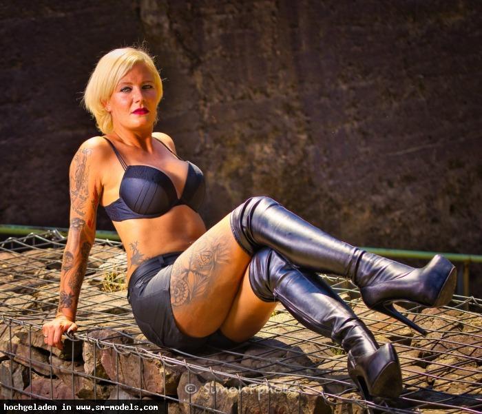 SimonP (Hobby Fotograf ,Männlich ,PLZ 52445) Lady Melina Jolie - Bild 25162 - SM-Models.COM