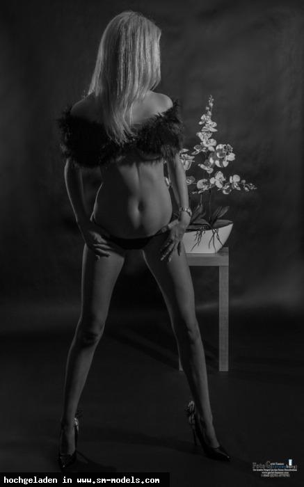 Fotogravensburg (Fotograf ,Männlich ,PLZ 88069) - black and white / Home-Studio - Bild 14767 - SM-Models.COM