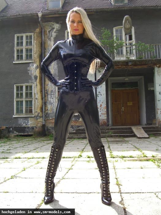 Fetishlady_Madleen (Studio ,Weiblich ,PLZ 09130) Fetishlady Madleen - Bild 21035 - SM-Models.COM