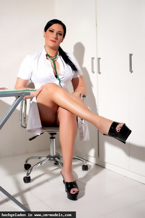 LadyAlexandra (Model ,Weiblich ,PLZ 404) Klinik - Bild 18880 - SM-Models.COM