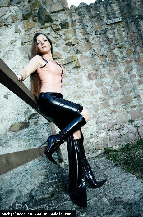 E_mail_Domina (Interessent ,Weiblich ,PLZ 84307) Profi Bilder - Bild 16318 - SM-Models.COM