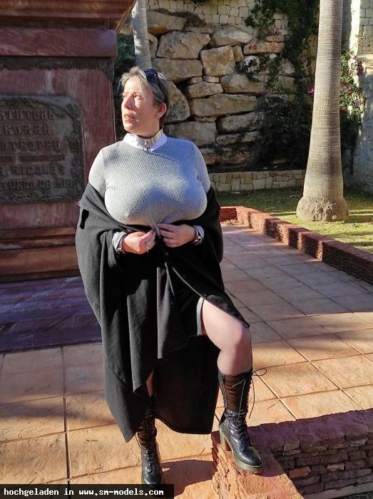 Torture (Hobby Fotograf ,Männlich ,PLZ 037 - Spanien) - Vor russischer Kirche / Spanien M - Bild 25992 - SM-Models.COM